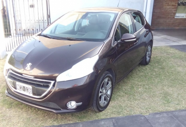 208 MOD. 2013 IMPECABLE (2954669495)